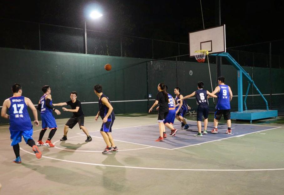 公司篮球比赛